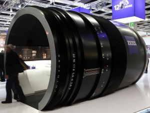 carl zeiss booth