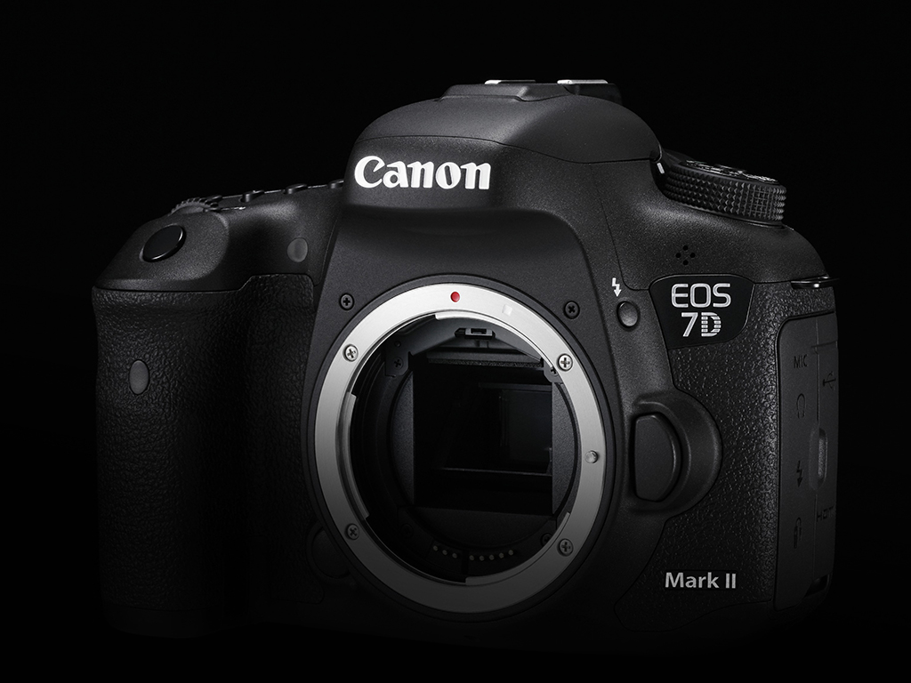 Design-Cut-EOS-7D-Mark-II-3-B-Special